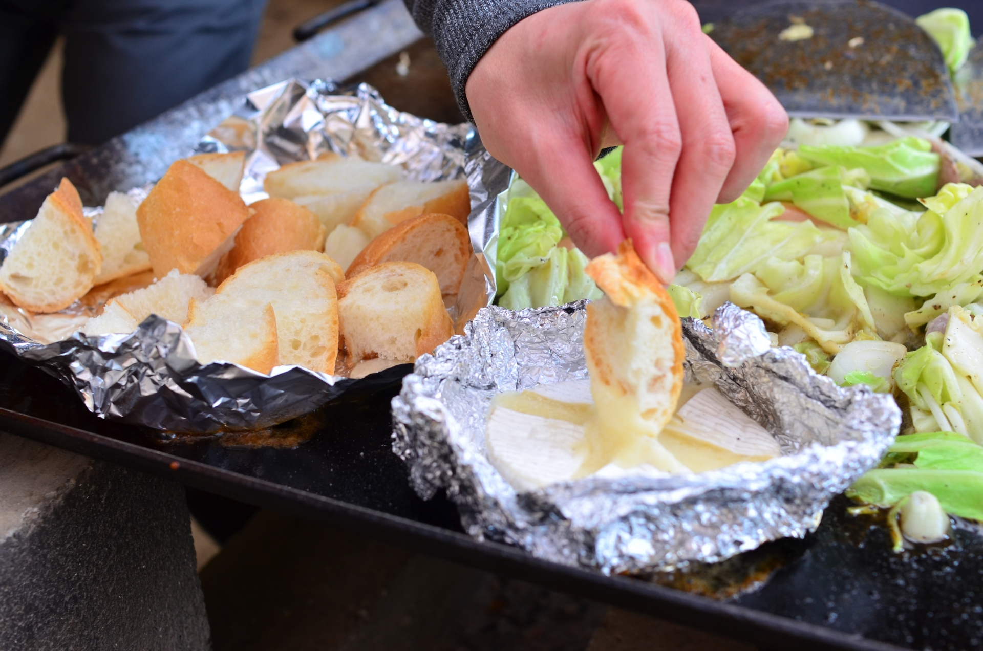 キャンプでアルミホイルが大活躍!【料理も片付けも楽チンで便利です】